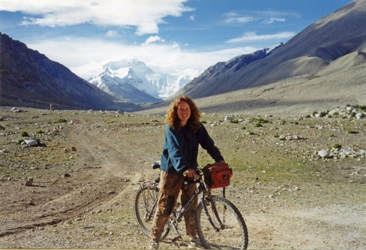 About us Linda's life Get involved Blogs Contact us Projects Fundraising Home Linda during a cycle ride across the Himalayas with Mount Everest in the background