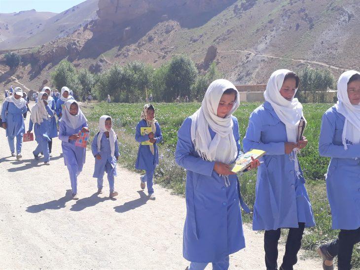 School students walking to Rustam School.
